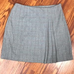 EUC Express Gray & red pleated mini skirt
